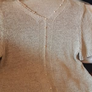 Womens beige knitted short sleeve top. Size 2x. .